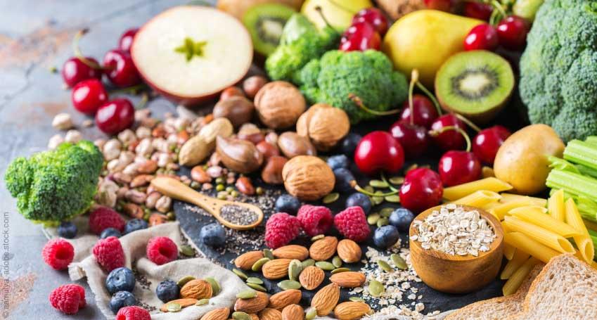 Auswahl an Gemüse und Früchte für Vegetarier